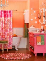 amazing kids bathroom with round floral pattern shower curtain