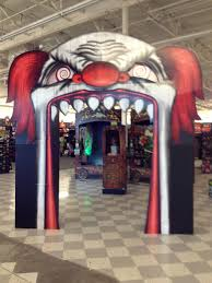 haunted house halloween decorations evil clown archway carnevil pinterest evil clowns halloween