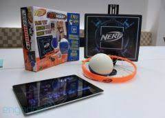petit panier de basket pour chambre cyberhoop un panier de basketball miniature connecté à l