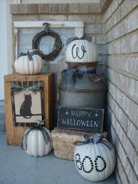 halloween front yard decorations 50 chilling and thrilling halloween porch decorations for 2017