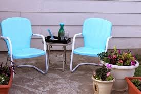 Paint Patio Furniture Metal - lyndi u0027s projects outdoor metal chairs get a new look
