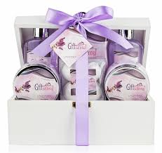 bath gift set spa gift basket with lavender fragrance best wedding