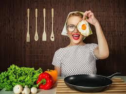 femme en cuisine manger malin santé bien être start eure