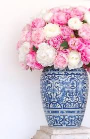 Pictures Of Vases With Flowers Best 25 Blue Vases Ideas On Pinterest Diy Flower Centerpieces