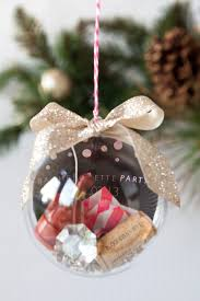 learn how to make this wedding keepsake ornament