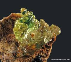green opal rock hyalite opal from two localities