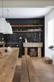 cuisine mur noir inspiration déco carrelages originaux murs noirs carrelage