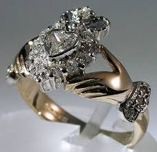 Claddagh Wedding Ring by Best 25 Claddagh Engagement Ring Ideas On Pinterest Trinity