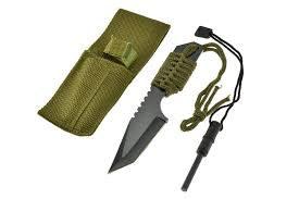 difference between kitchen knives and survival knives