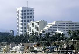 how to find a place to stay in santa monica what the booking