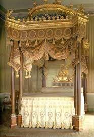 Antique Bedroom Furniture by Best 25 Antique Beds Ideas On Pinterest Antique Painted