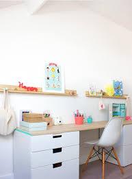 bureau d enfants comment aménager un bureau dans une chambre d enfant femina vos