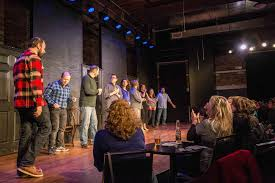 the best comedy theaters and shows in chicago improv sketch