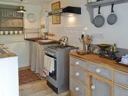 Cottage Galley Kitchen Woodlands Cottages Woodlands Ref Ukc182 In Elsenham Near