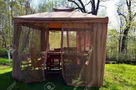 tonnelle de jardin avec moustiquaire kiosque tonnelle avec moustiquaire arbor protéger bancs de