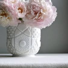 Milk Glass Vase 142 Best Hobnail And Milk Glass Images On Pinterest Milk Glass