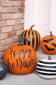Small Pumpkins Decorating Ideas Best 25 Painted Pumpkins Ideas On Pinterest Painting Pumpkins