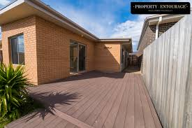 lovely 2 bedroom home located in springbank rise property http propertyentourage com au property lovely 2 bedroom home located in springbank rise
