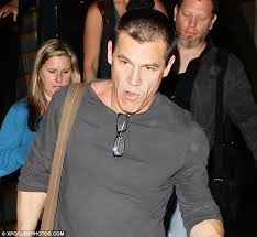 hair styles for women with center bald spots goonies star josh brolin reveals thinning hair