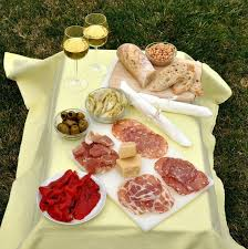 best picnic basket best picnic spots and picnic fare in rome food lover s