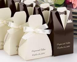 best wedding guest favors 25 best 25 wedding giveaways ideas on wedding favours