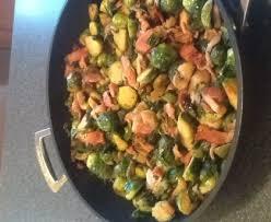 cuisiner choux de bruxelles frais choux de bruxelles aux lardons et aux chignons recette de choux
