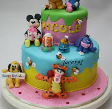 winnie the pooh and friends with minnie and mickey mouse cake
