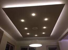 deckenlen wohnzimmer led die besten 25 beleuchtung wohnzimmer decke ideen auf