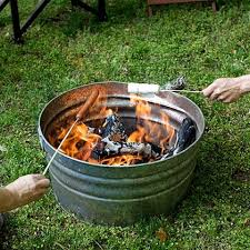 Easy Firepit Easy Diy Pit Genius I Think I Would Prop It Up On 3 Bricks