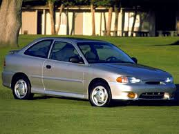 2002 hyundai accent review 1999 hyundai accent overview cars com