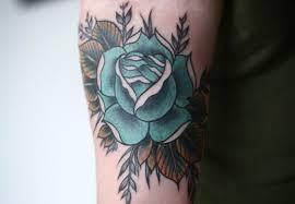de tatuajes de rosas tatuajes de rosas azules y su significado