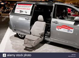 toyota usa 2017 toyota mobility auto access seat in sienna minivan display at 2017