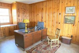 designing around knotty pine wood paneling the decorologist