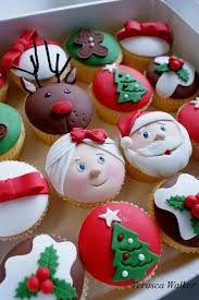 the 25 best christmas cakes ideas on pinterest christmas