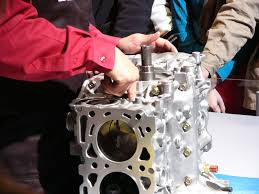subaru wrc engine file subaru ej20 wrc installing piston pin jpg wikimedia commons