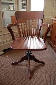 le de bureau ancienne chaise de bureau ancienne homeezy