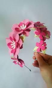 como hacer mascaras en forma de rosa disfraz de flor para niña con material reciclable imagui peques