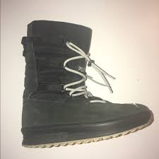 s moon boots size 11 58 shoes size 6 black white moon boots from ala