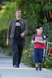 chris martin and gwyneth paltrow kids chris martin gwyneth paltrow take kids los angeles ca chris