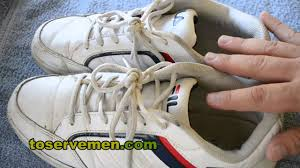 how to remove the stink from your shoes no more foot odor