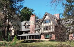 three centuries of history in lincoln massachusetts old house