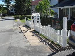 vinyl picket fence with new england post caps and palace solar cap