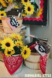 Western Style Centerpieces by Western Classroom Theme With Lots And Lots Of Sunflowers