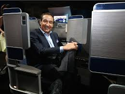 United Airlines How Many Bags United Airlines Ceo Oscar Munoz Interview Business Insider