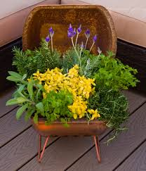 singing gardens repurpose garden art ideas