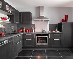 deco de charme cuisine fjord noir avec ses portes en chêne le modèle fjord