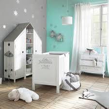 chambre bébé turquoise chambre bébé déco douce thème nuage étoile bernistabas
