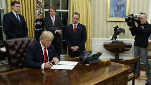 Oval Office Over The Years Trump Begins Term In Office By Signing Health Care Executive Order
