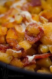 cuisine familiale economique poêlée de pommes de terre sautées au chorizo et à l emmental
