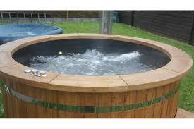 jacuzzi bois exterieur pour terrasse bain nordique en plastique et bois traité thermiquement tub team
